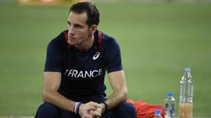 Avec sa médaille de bronze au saut à la perche, Renaud Lavillenie a offert à la France, lundi 24 août 2015, sa première médaille aux Mondiaux d'athlétisme de Pékin.