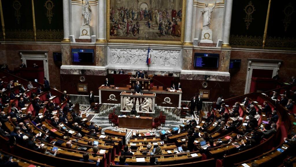 """Le Parlement adopte définitivement le projet de loi controversé contre """"le séparatisme"""""""