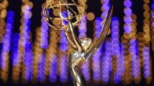 Les Emmy Awards sont l'équivalent des Oscars pour la télévision américaine