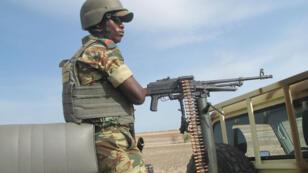 Militaire camerounais déployé à Dabanga, dans le nord du Cameroun, en juin 2014, pour renforcer la lutte contre Boko Haram.