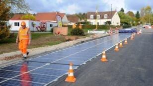 La première route solaire au monde a été inaugurée à Tourouvre en Normandie.