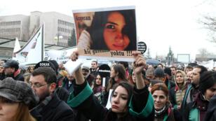 Manifestation à Ankara le 16 février pour dénoncer l'assassinat de Ozgecan Aslan, âgée de 20 ans