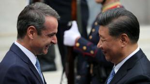 Le président chinois Xi Jinping et le Premier ministre grec Kyriákos Mitsotákis ont signé 16 contrats de coopération économique