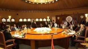 يرغب المتمردون في تشكيل حكومة توافقية بينما تشدد حكومة هادي على أنها هي التي تمثل الشرعية
