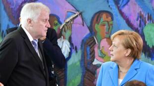 La chancelière allemande Angela Merkel se trouve en conflit ouvert avec son ministre de l'Intérieur Horst Seehofer.