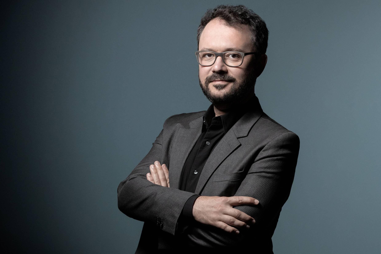 Riad Sattouf lors d'une séance photo à Paris, le 27 septembre 2020