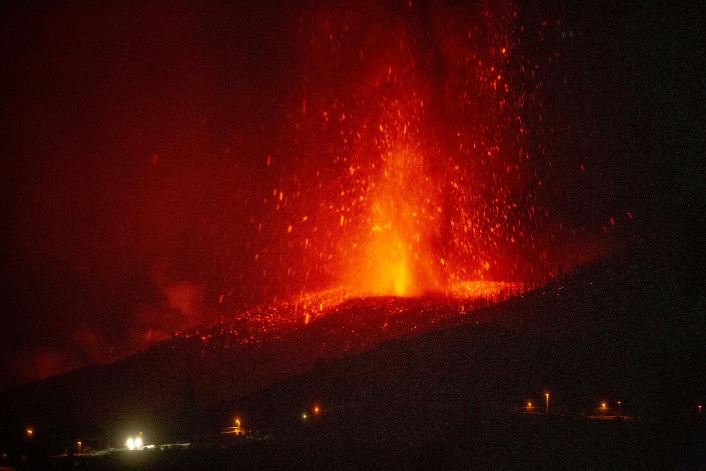 """بركان """"كومبري بييخا"""" - جزيرة لا بالما"""