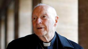 Foto de archivo del excardenal, Theodore Edgar McCarrick, durante una entrevista con Reuters en el North American College en el Vaticano el 14 de febrero de 2013.