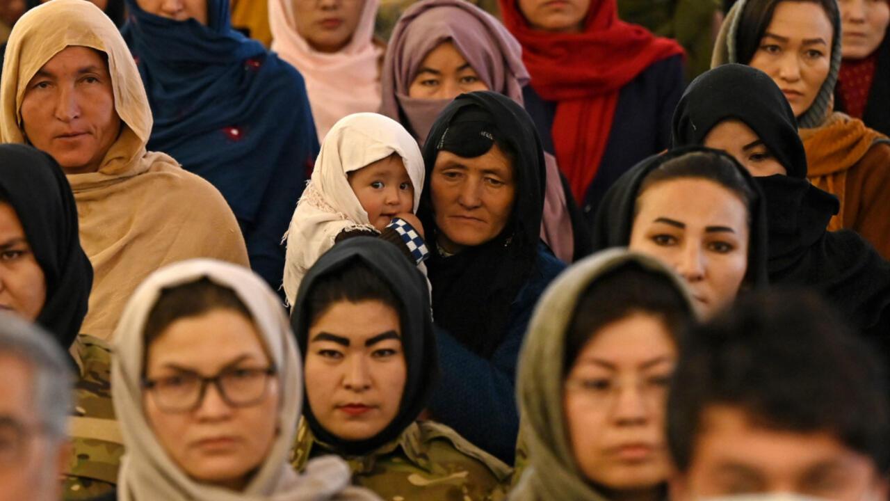 إنفوغرافيك: حقائق وأرقام عن المرأة الأفغانية
