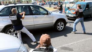 """Exercice de simulation d'arrestation de """"go-fast"""" près de la frontière espagnole."""