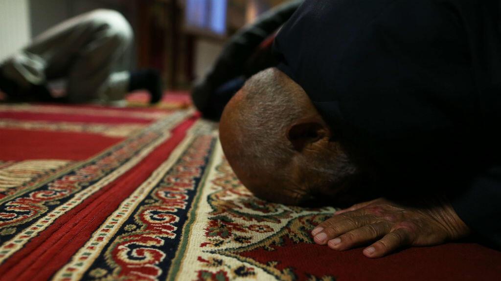 """Le gouvernement souhaite """"dissoudre"""" les mosquées où est prêché l'appel à la haine ou à la violence."""