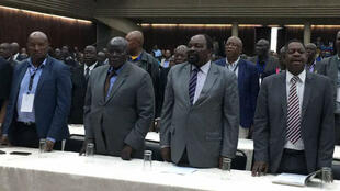 Delegados durante la reunión extraordinaria del partido ZANU - PF de Zimbabue.