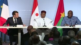 الرئيس الفرنسي ماكرون ورؤساء أفارقة من دول الساحل الخمس