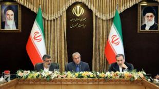 De hauts responsables iraniens ont donné une conférence de presse pour annoncer la reprise de l'enrichissement d'uranium, le 7 juillet 2019 à Téhéran.