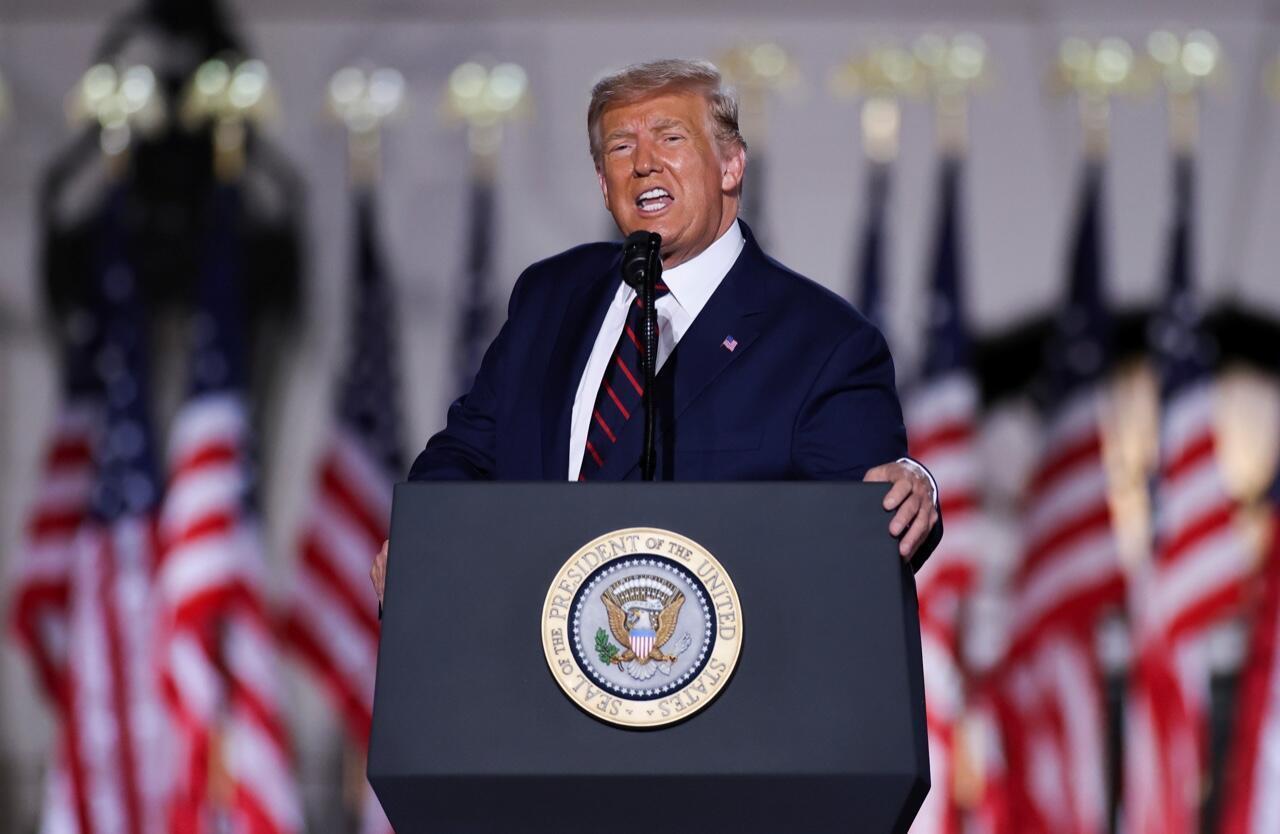 El presidente de Estados Unidos, Donald Trump, durante su discurso de aceptación como candidato presidencial republicano en el evento final de la Convención Nacional Republicana sobre el Jardín Sur de la Casa Blanca en Washington, Estados Unidos, el 27 de agosto de 2020.