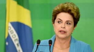 Dilma Rousseff lors de sa conférence de presse, le 18 avril 2016 à Brasilia.