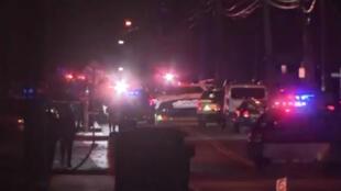 مهاجم يطعن خمسة في منزل حاخام بولاية نيويورك الأمريكية.