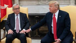 Le président américain Donald Trump et le président de la Commission européenne Jean-Claude Juncker sont parvenus à un accord sur les droits de douane à la suprise générale.