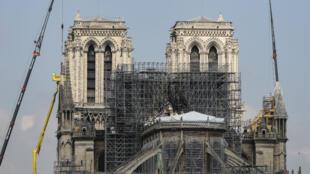 Le président Emmanuel Macron s'est dit disposé à contourner pour Notre-Dame-de-Paris les procédures en vigueur pour la restauration des monuments historiques.