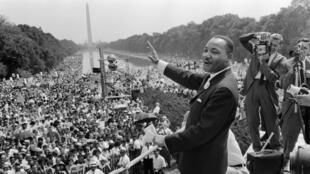 """Le 28 août 1963, Martin Luther King prononce son célèbre discours """"I have a dream"""" devant quelque 250000 manifestants à Washington."""