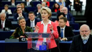 La presidenta electa de la Comisión Europea Ursula von der Leyen interviene en la Eurocámara en Estrasburgo, Francia. 27 de noviembre de 2019.