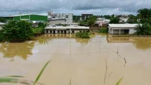 La ciudad de Abiyán, considerada una de las más importantes de Costa de Marfil, sufrió inundaciones similares en el año 2017. Foto del 13 de junio de 2017.