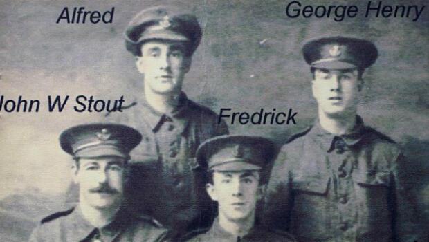 Quatre des cinq frères de Wilfred Smith