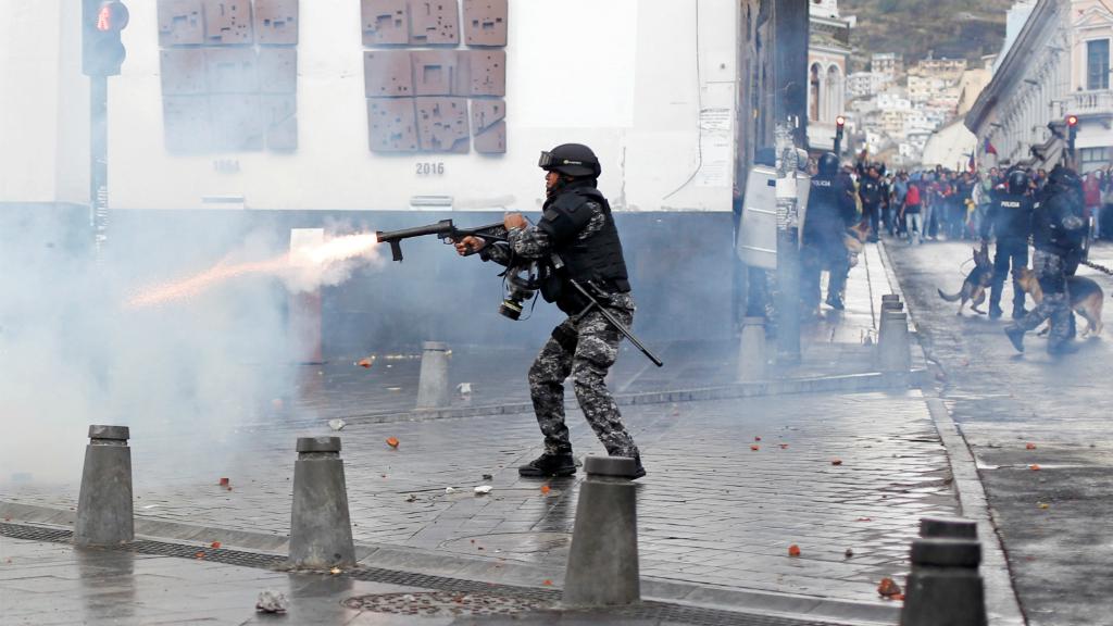 El presidente Lenin Moreno declaró el estado de excepción para tomar el control de las protestas en distintos puntos del país.