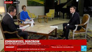 Emmanuel Macron lors de son entretien à France 24 et RFI le 29 novembre à Abidjan.