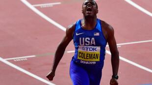 L'Américain Christian Coleman après sa victoire finale du 100 m aux Mondiaux d'athlétisme de Doha le 28 septembre 2019