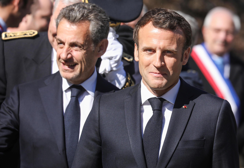Emmanuel Macron et Nicolas Sarkozy, le 31 mars 2019, à la nécropole nationale des Glières, à Thones.