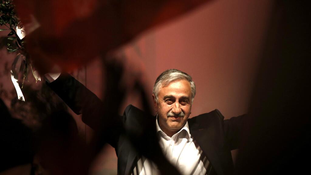 Mustafa Akinci, après l'annonce de sa victoire à la présidentielle de la République turque de Chypre-Nord (RTCN, non reconuue).