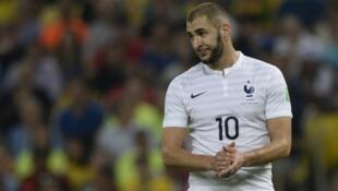"""Le nom de Karim Benzema est apparu au fil d'écoutes téléphoniques dans l'enquête sur le chantage présumé à la """"sextape"""" contre Mathieu Valbuena."""