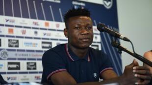 Samuel Kalu durante una rueda de prensa en Le Haillan, Francia, en agosto de 2018.