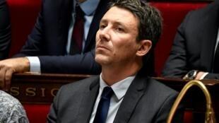 بنجامان غريفو عندما كان ناطق باسم الحكومة الفرنسية، في الجمعية الوطنية في باريس 12 كانون الأول/ديسمبر 2018
