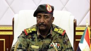 Le général Abdel Fattah al-Burhane lors d'un discours officiel à Khartoum, le 16 avril 2019.