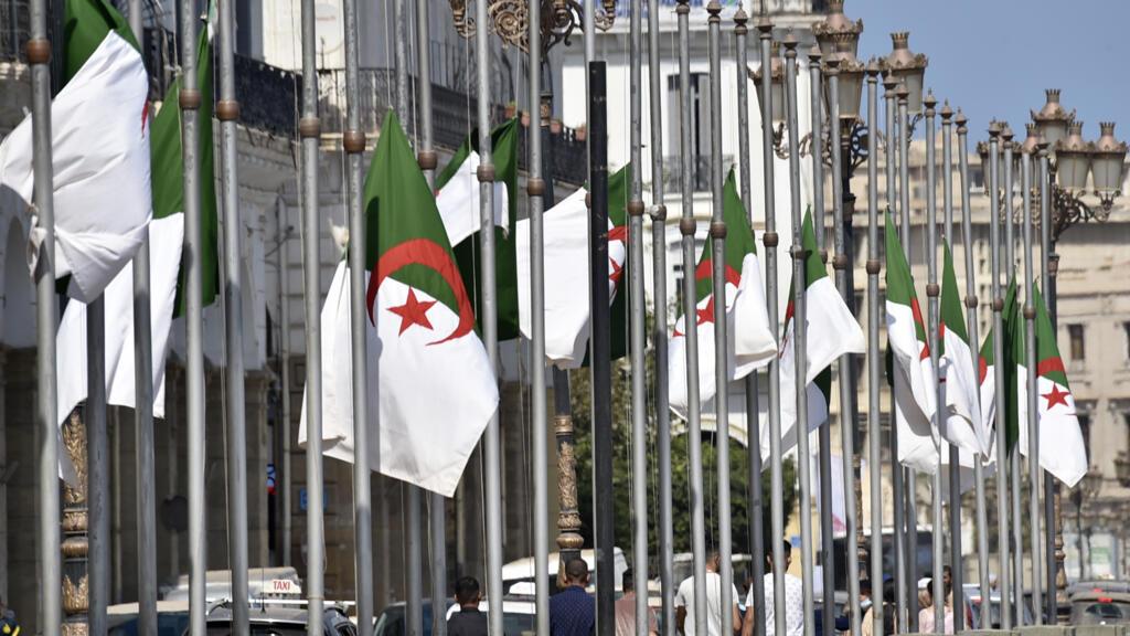 """""""الحركة من أجل استقلال منطقة القبائل"""" تنفي أي ضلوع لها في مخطط لشن هجمات مسلحة في الجزائر thumbnail"""