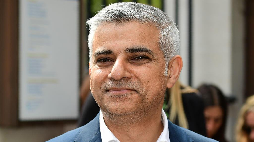 Le travailliste Sadiq Khan a prêté serment le 7 mai 2016. Fils d'immigré d'origine pakistanaise, il est le premier maire d'une capitale européenne de confession musulmane.