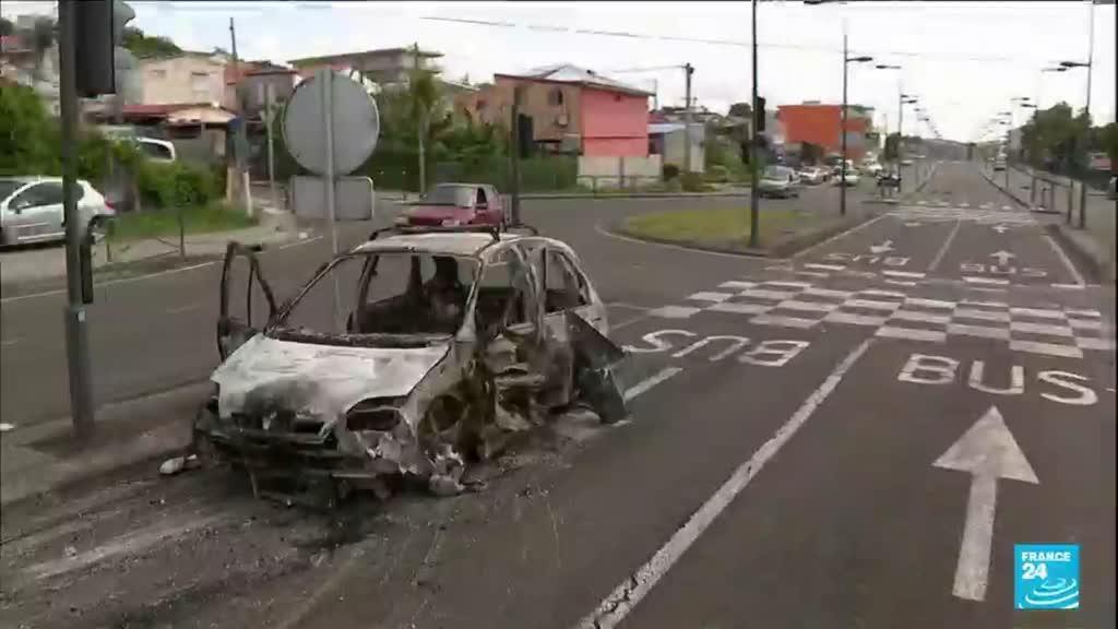2021-08-02 14:08 Émeutes en Martinique : violences au lendemain du reconfinement de l'Île