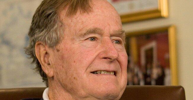 الرئيس الأمريكي الأسبق جورج بوش الأب