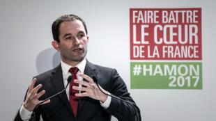 Benoît Hamon, samedi 11 février 2017, lors de la présentation de son équipe de campagne à son QG parisien.