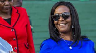 À 52 ans, Grace Mugabe veut succéder à son mari à la tête du Zimbabwe.