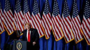 El presidente Donald Trump, habla en la Exposición de Comercio y Reuniones Legislativas de la Asociación Nacional de Agentes de Bienes Raíces en Washington.17 de mayo de 2019.