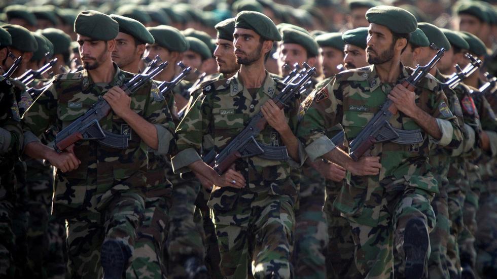 Parade militaire des gardiens de la Révolution, à Téhéran, le 22 septembre 2007.
