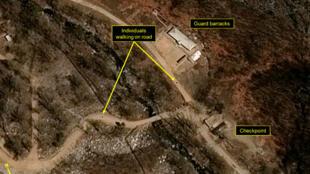 """صورة التقطت بالأقمار الاصطناعية في 12 نيسان/أبريل 2017 لموقع """"بونغي ري"""" الكوري الشمالي للتجارب النووية."""