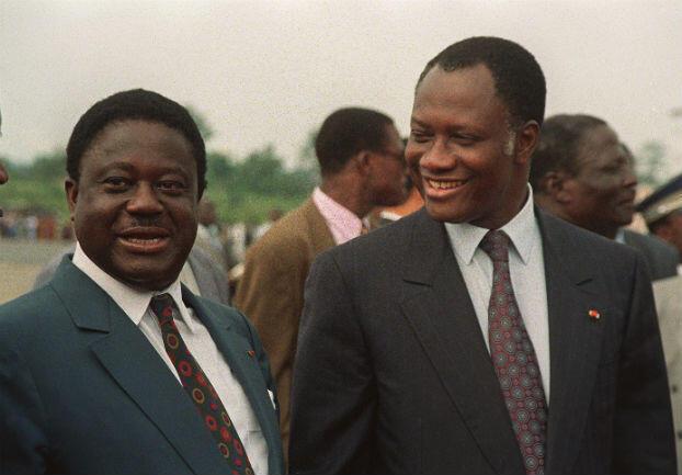 Henri Konan Bédié (à gauche) et Alassane Ouattara, à Abidjan le 14 janvier 1993.