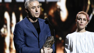 """Robin Campillo, rélaisteur de """"120 battements par minutes"""" sur la scène des César."""