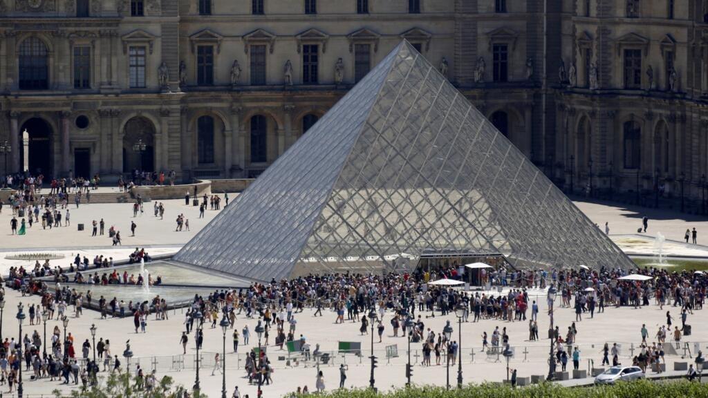 فرنسا: متحف اللوفر يفتح مجددا للزوار لكن بإجراءات وقائية من فيروس كورونا