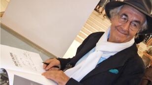 """René Burri en 2006, lors de la rétrospective de son oeuvre intitulée """"el mundo"""" à La Havane."""