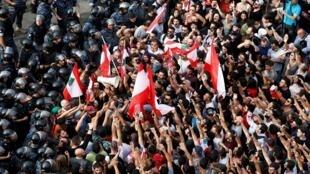 مظاهرات لبنان تدخل يومها الثالث